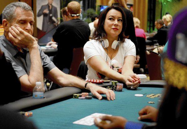 【蜗牛扑克】Kara Scott入围2018女性扑克名人堂候选人名单