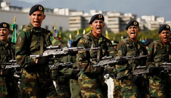 【蜗牛棋牌】委总统宣布将军演击退模拟入侵者 以示军方无敌