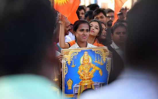 """【蜗牛棋牌】一场""""女性进庙""""引发的冲突 将怎么影响印度大选"""