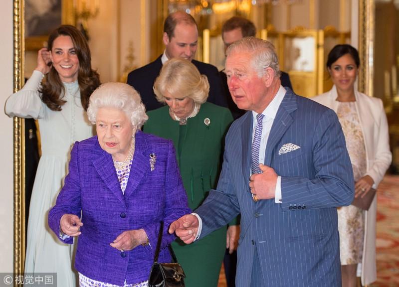 【蜗牛棋牌】英国女王举办招待会 庆祝查尔斯王储头衔被授50年