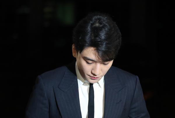 【蜗牛棋牌】胜利事件波及整个娱乐圈 韩国总理要求严查到底