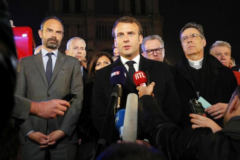 【蜗牛棋牌】法国富豪称将捐款1亿欧元 用于重建巴黎圣母院