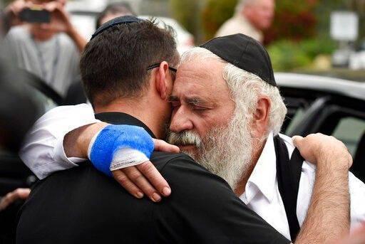 【蜗牛棋牌】美国犹太教堂枪案发生前FBI曾接线报 但为时已晚