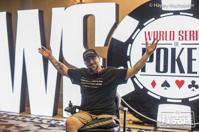 【蜗牛棋牌】Kevin Roster在WSOP宣传肉瘤意识