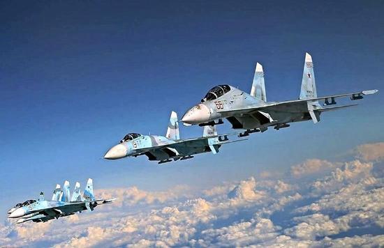 【蜗牛棋牌】俄将在克里米亚半岛等地军演 出动一百多架战机
