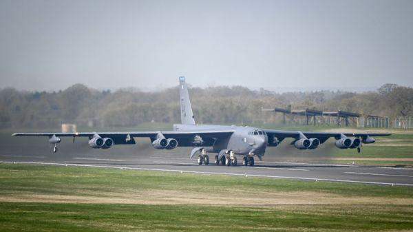 【蜗牛棋牌】美军B-52轰炸机服役或将破百年纪录