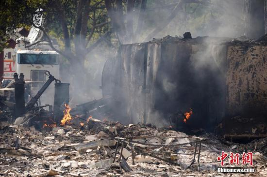 【蜗牛棋牌】强风助长美国北加州野火 85万户家庭将被切断电源