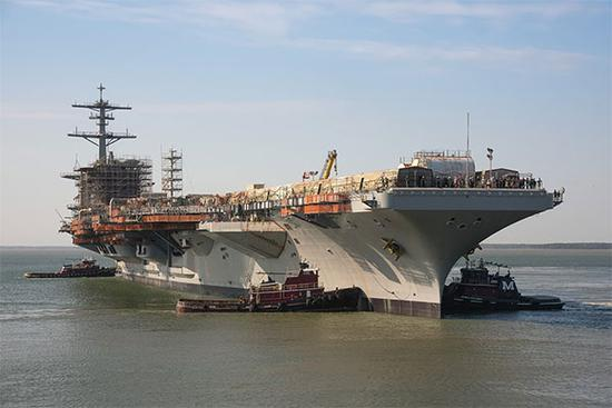 【蜗牛棋牌】华盛顿号航母从干船坞下水 将成同型航母中最强