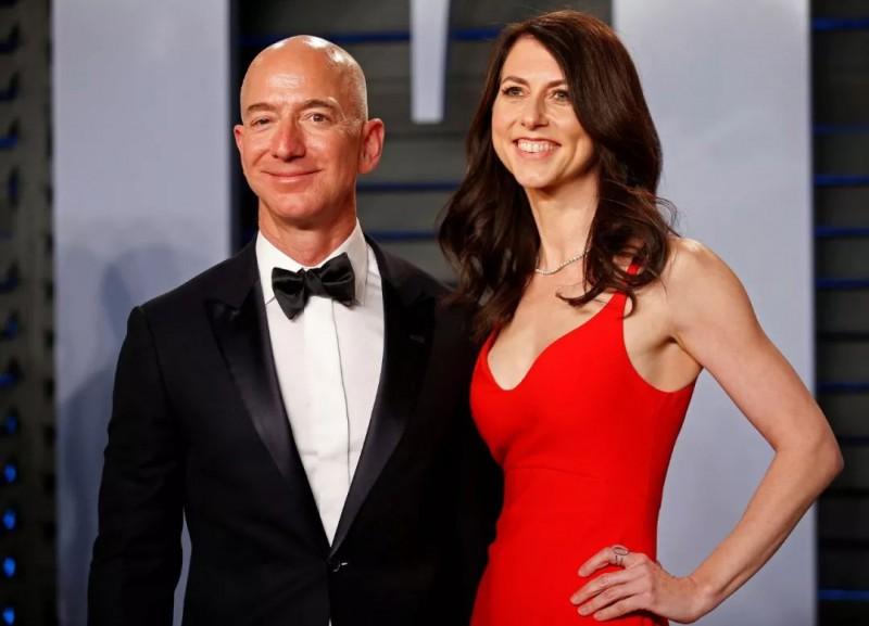 【蜗牛棋牌】世界首富离婚的代价:个人财富缩水460亿美元