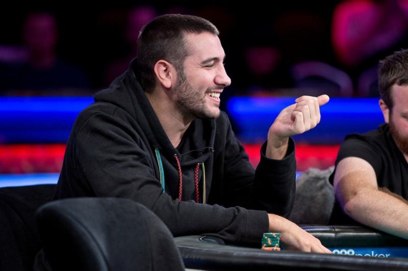 【蜗牛棋牌】2019 WSOPE主赛第4轮:14人晋级,Dario Sammartino领跑