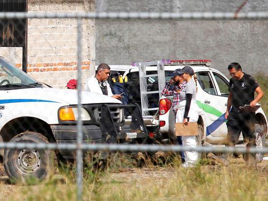 【蜗牛棋牌】墨西哥一秘密墓地发现31具尸体 涉失踪人口