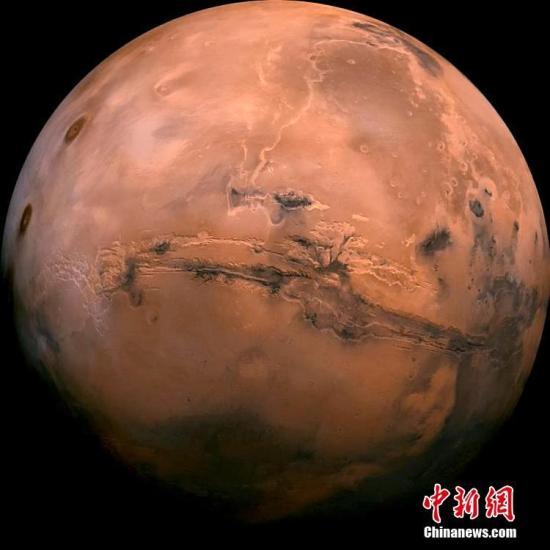 """【蜗牛棋牌】凭照片断言火星有生命?美学者被批""""幻想性错觉"""""""