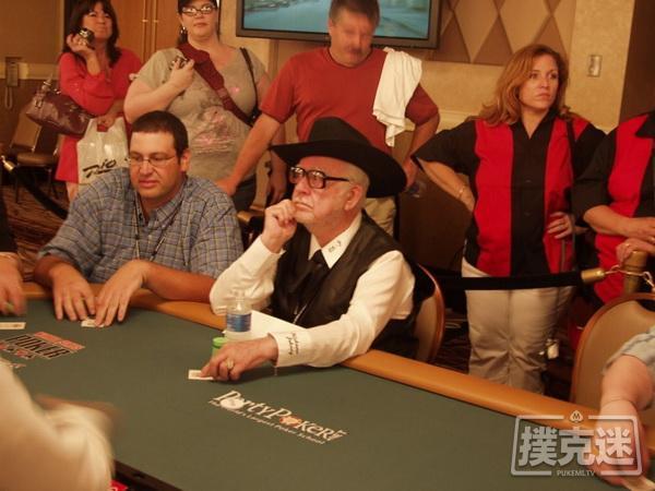 """【蜗牛棋牌】扑克前辈赛提倡者""""Oklahoma"""" Johnny Hale逝世,享年92岁"""