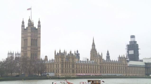 【蜗牛棋牌】议会通过英首相脱欧议案 扫除脱欧最后法律障碍