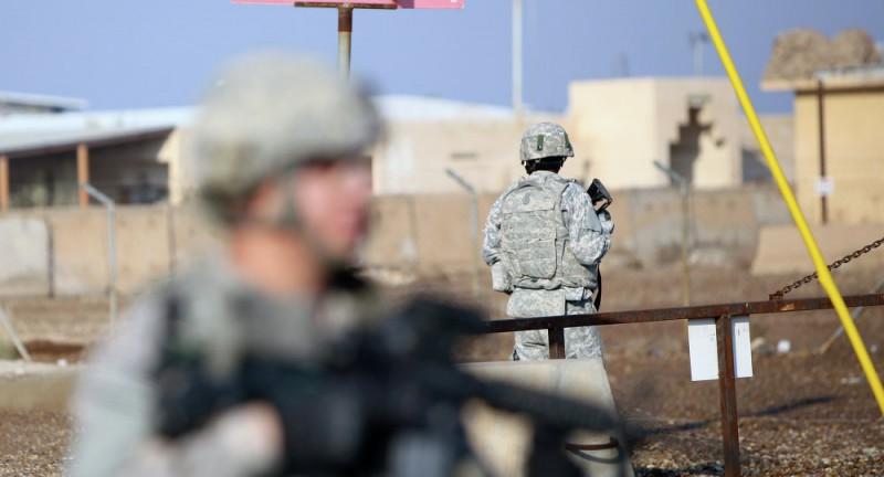 【蜗牛棋牌】伊拉克军事基地再遭火箭弹袭击 美军在此驻扎