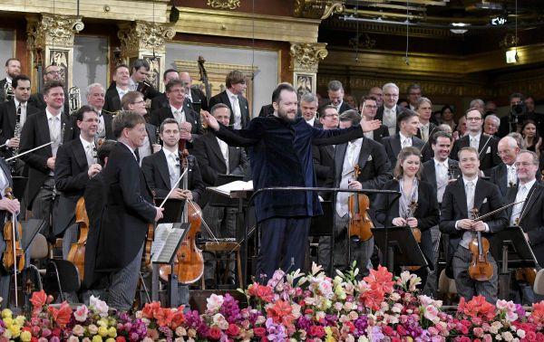 【蜗牛棋牌】贝多芬诞辰250周年 维也纳新年音乐会这样致敬