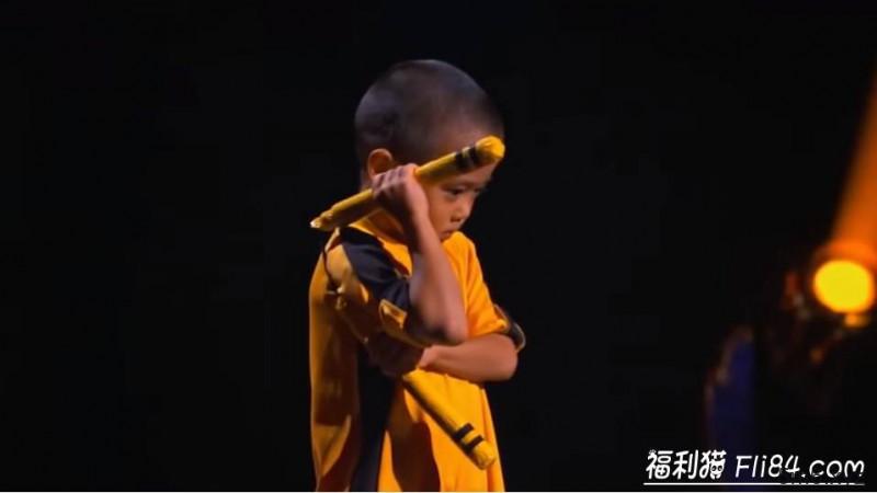 """【蜗牛棋牌】7岁小男孩今井隆星""""全身肌肉炸裂""""!""""魔鬼训练""""过程曝光 堪称""""迷你版李小龙"""""""