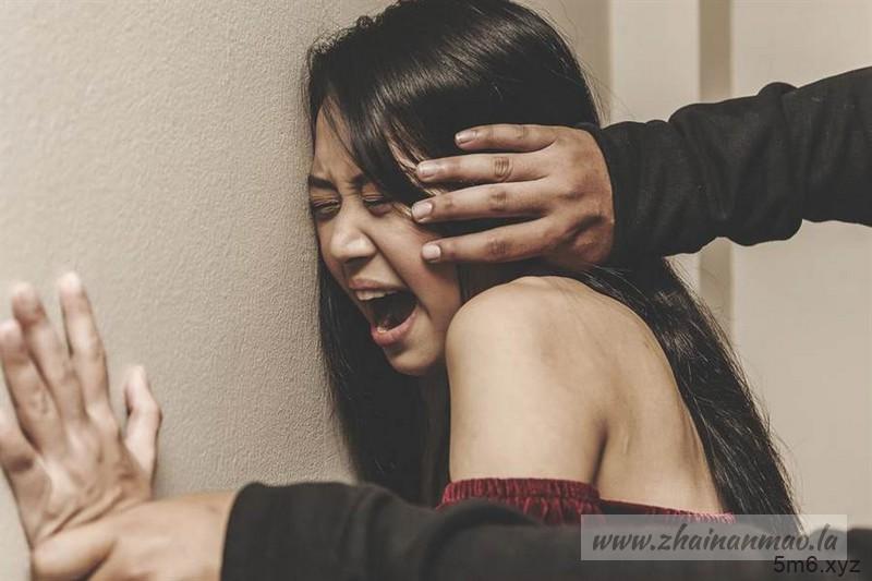 【蜗牛棋牌】快讯:旅游遇难!20岁人妻遭5男轮流硬上 夫被逼看3小时!