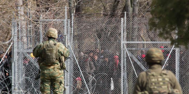 【蜗牛棋牌】希腊军警60小时逮捕218名非法越境人员