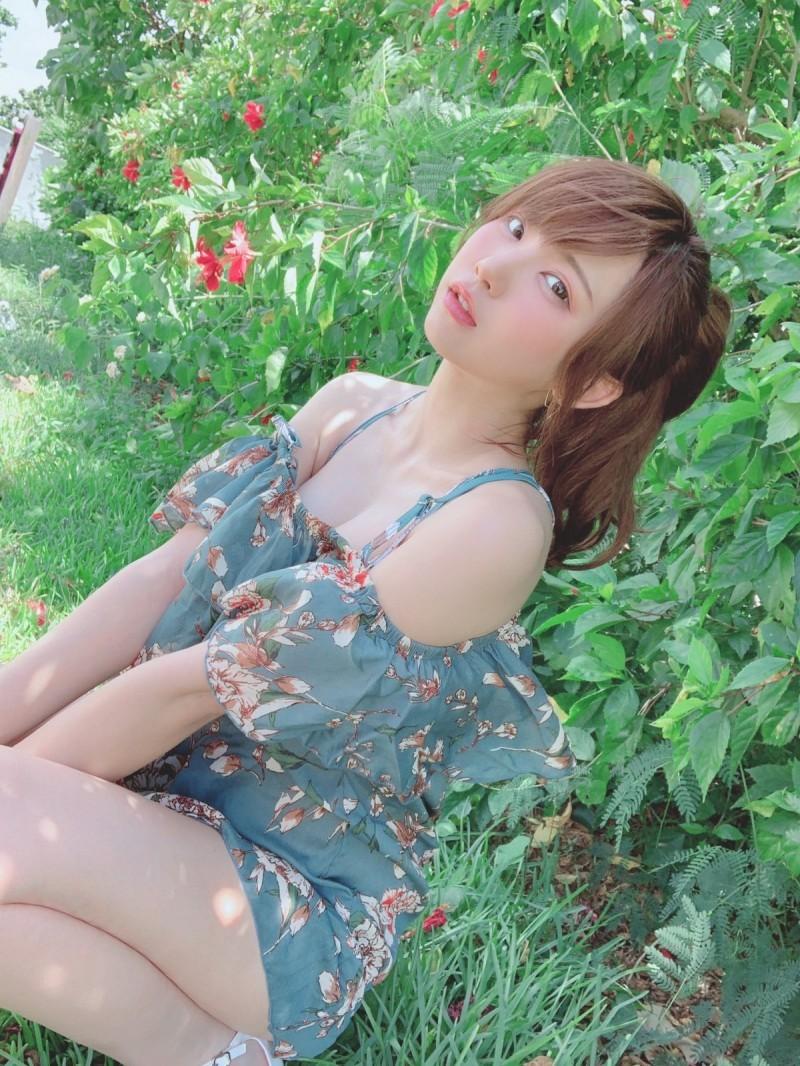 【蜗牛棋牌】cosplay界一姐Enako(えなこ) 人气太高粉丝围成人墙