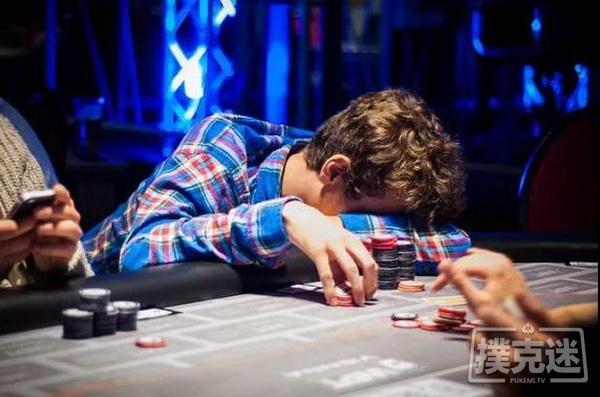 【蜗牛棋牌】德州扑克中避免陷入牌局困境最简单粗暴的一招