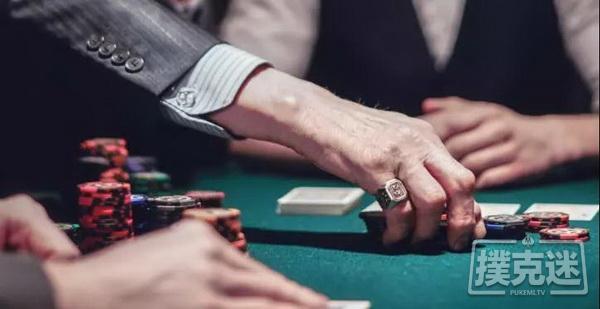"""【蜗牛棋牌】7人翻牌圈的""""屠杀""""与反思  德州扑克牌局分析"""
