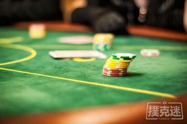 【蜗牛棋牌】德州扑克跟注还是弃牌?谈阻断牌与抓诈牌之间的联系