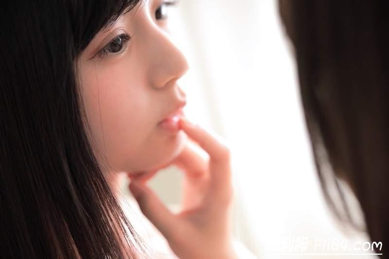 【蜗牛棋牌】くりえみ(栗田惠美)、真奈《美少女百合写真》让人脸红心跳的大尺度!