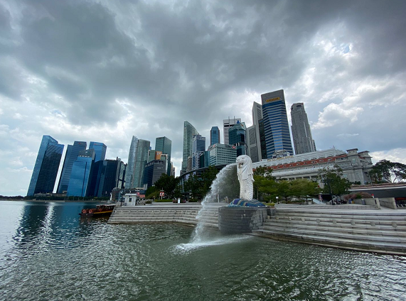 【蜗牛棋牌】新加坡经济师调查报告预测新加坡经济全年萎缩6%