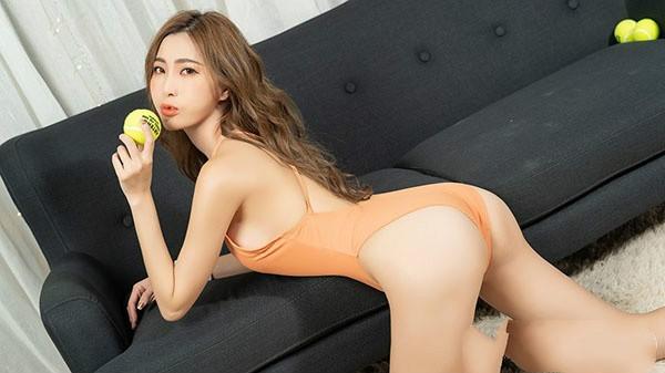 【蜗牛棋牌】长腿女神Abbie Huang艾比性感写真自拍套图