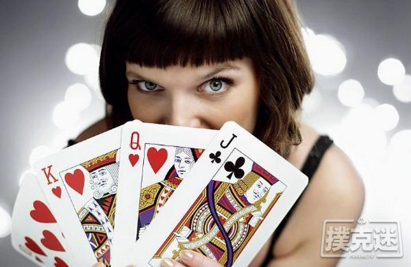 【蜗牛棋牌】德州扑克策略:学会观察你的左边