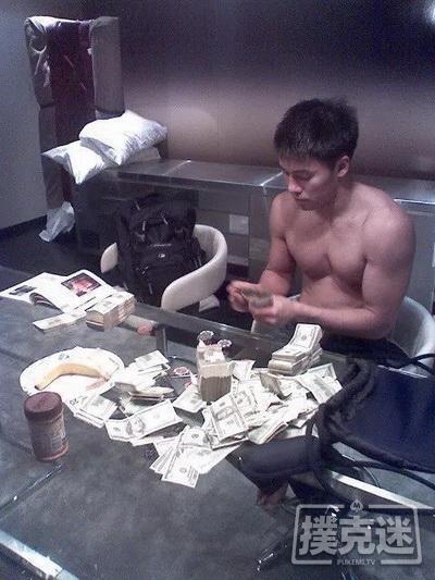 【蜗牛棋牌】为海鲜餐馆放弃高额扑克收入的两兄弟