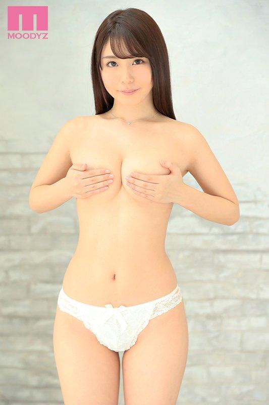 【蜗牛扑克】KAWD-994 :护校学生!拥有神之腰、魔之尻的立浪 花恋只想让男人舒服!