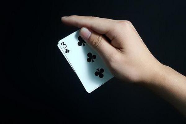 【蜗牛棋牌】德州扑克小对子的错误游戏方式