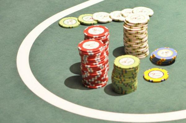【蜗牛棋牌】德州扑克没成牌的情况下怎么办