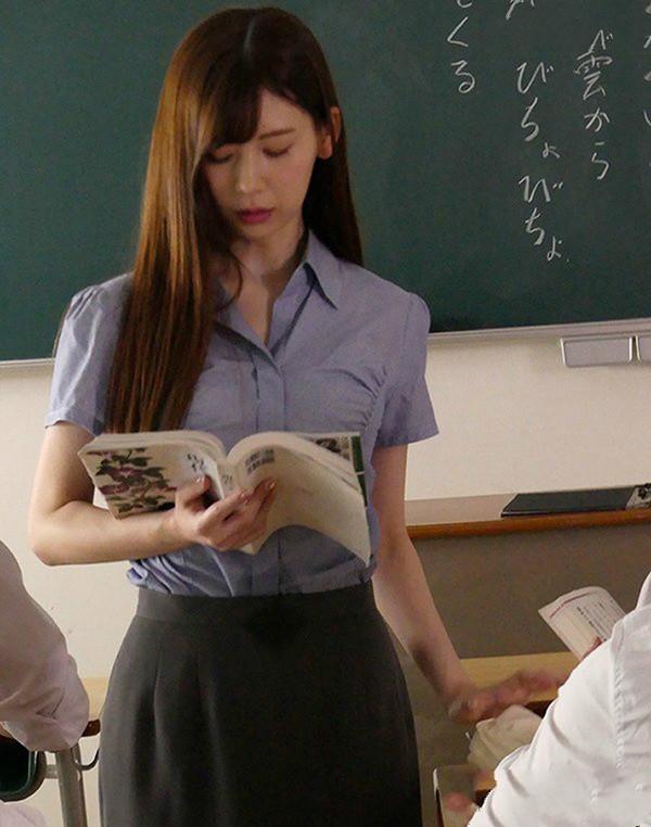 【蜗牛扑克】专属美少女ATID-318: 明里紬移籍凌辱片商化身极品正妹女教师沦为性奴性玩具!