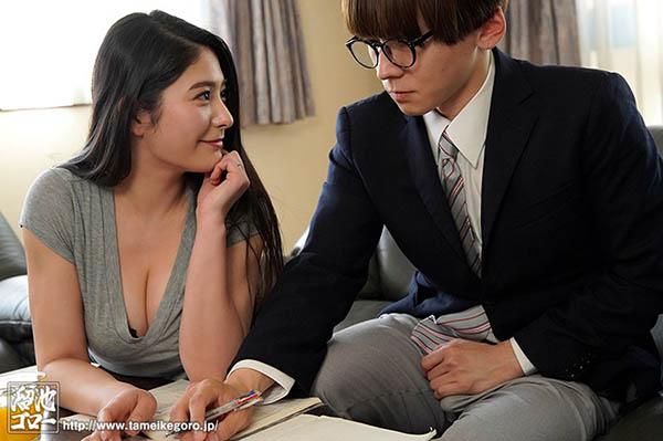【蜗牛扑克】MEYD-605:放荡大奶叔母惠理夺走了外甥的第一次!