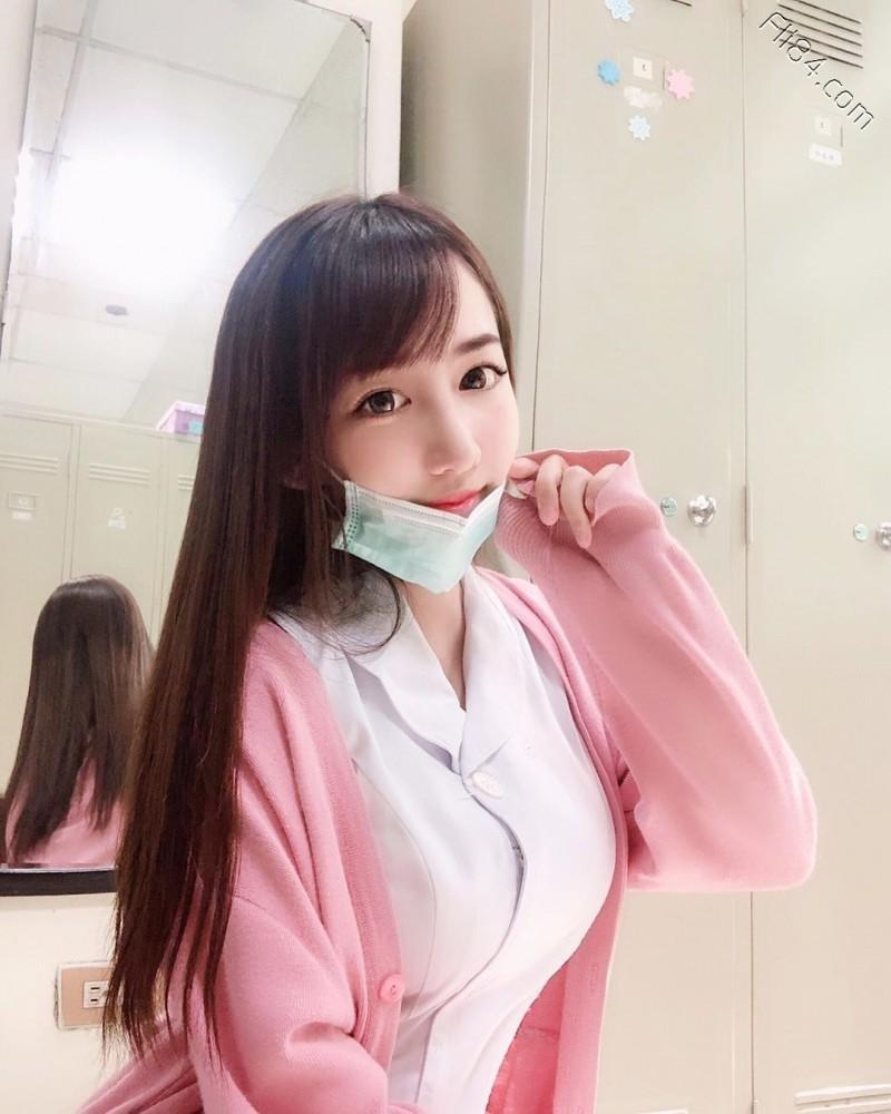 【蜗牛棋牌】大眼性感护理师Elle怡葶,制服底下隐藏着饱满美乳。