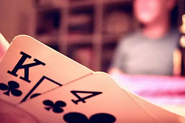 【蜗牛棋牌】德州扑克怎样玩同花听牌
