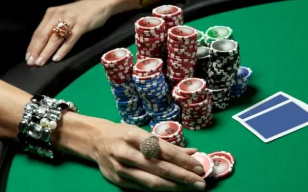 【蜗牛棋牌】德州扑克如何从松鱼身上实现利润最大化