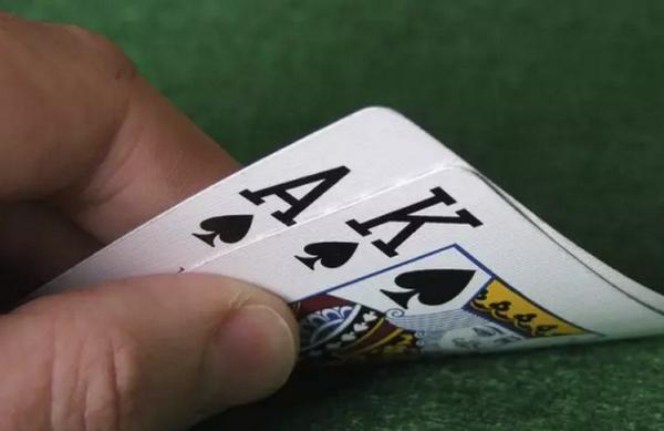 【蜗牛棋牌】德州扑克再加注不用那么大
