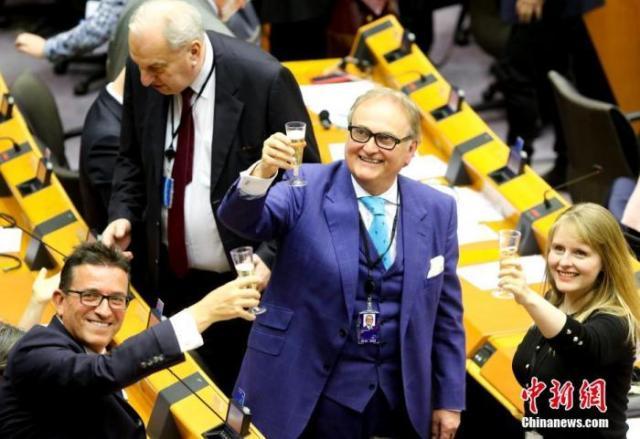 【蜗牛棋牌】再迈进一步!欧盟成员国批准英国脱欧协议暂时生效