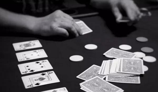 【蜗牛棋牌】德州扑克如何决定翻牌前的加注量