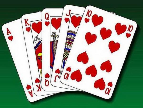 【蜗牛棋牌】德州扑克使数学理论与牌桌实战完美契合(1)