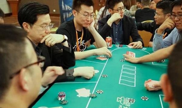 【蜗牛棋牌】我们到底可以从德州扑克中学到什么