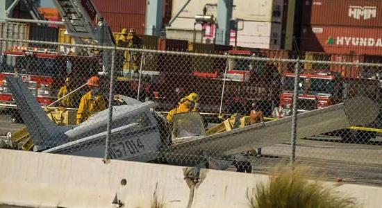 【蜗牛棋牌】美加州一小型飞机失事 至少一人死亡