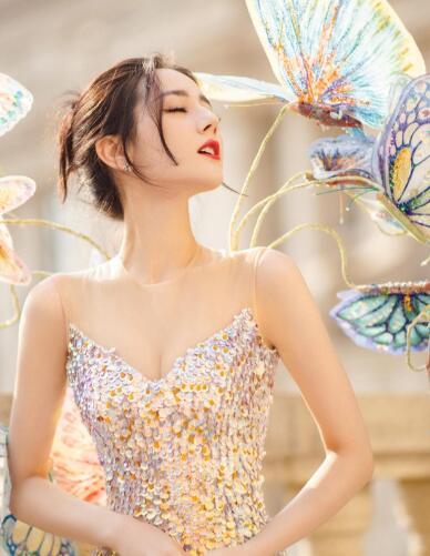 【蜗牛棋牌】迪丽热巴以仙女造型登北京春晚舞台 尽显曼妙身材