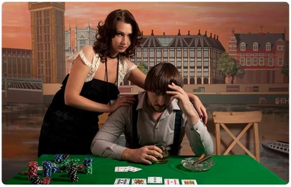 【蜗牛棋牌】德州扑克玩家要学会打牌顾家两不误