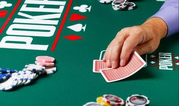 【蜗牛棋牌】德州扑克牌手不可不知的重要概念:筹码底池比