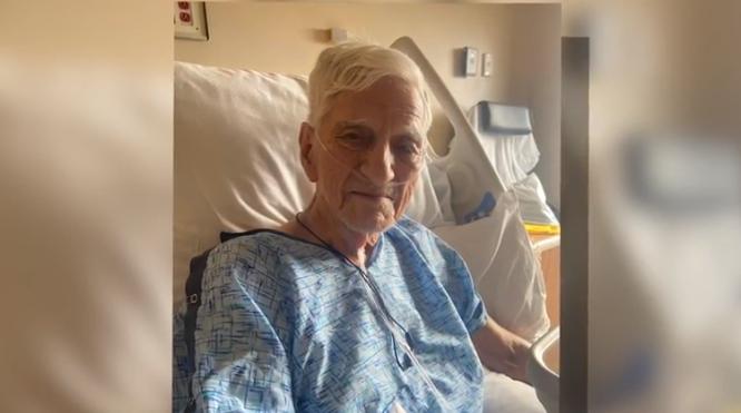 【蜗牛棋牌】美国91岁老人一天内被错误注射两剂新冠疫苗 险丧命